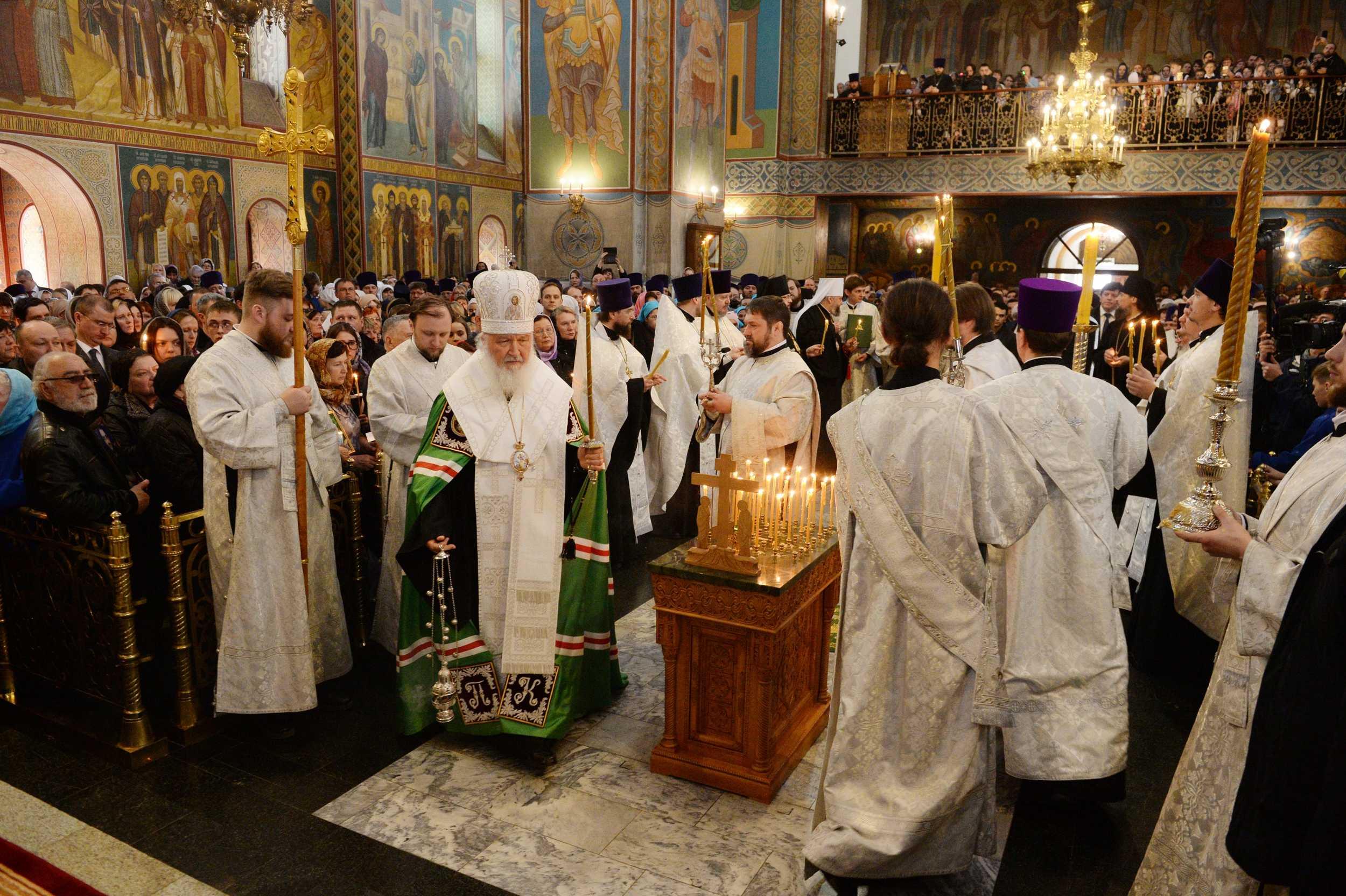 На 40-й день после трагедии в Кемерове во всех храмах Русской Православной Церкви прошли заупокойные богослужения